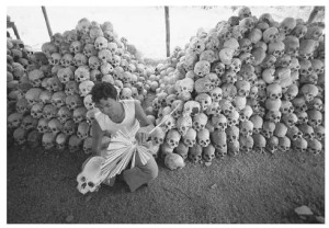 genocide-cambodgien-2-millions-victimes-L-2